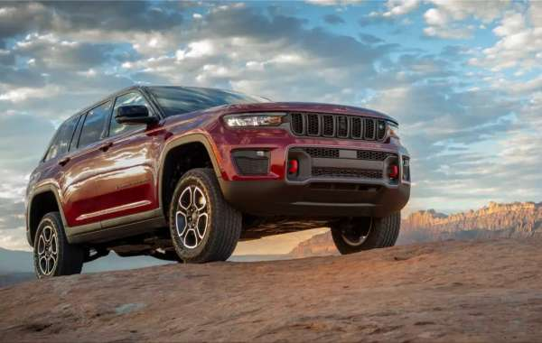 The Jeep Grand Cherokee will get a plug-in hybrid variant in 2022